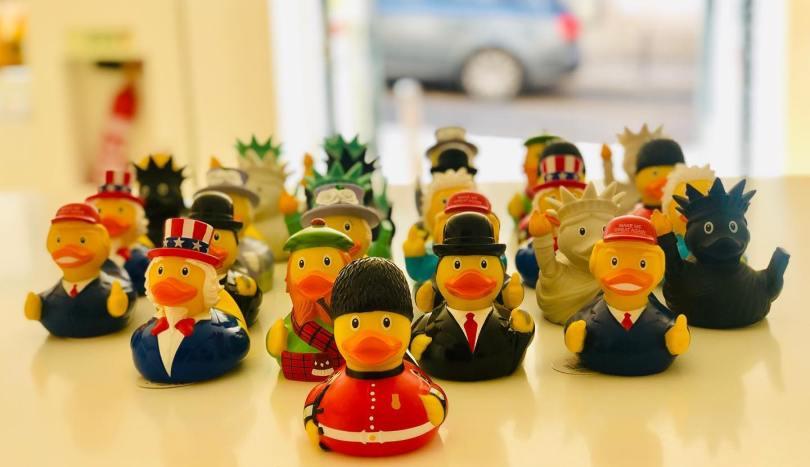 Selection de canards en plastique du Lisbon Duck Store de Lisbonne