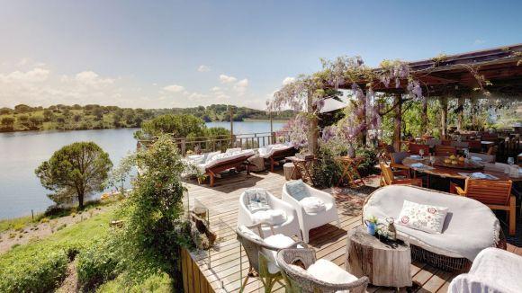 Terrasse du restaurant du Vale do Gaio Hotel - Vue sur lac - Portugal
