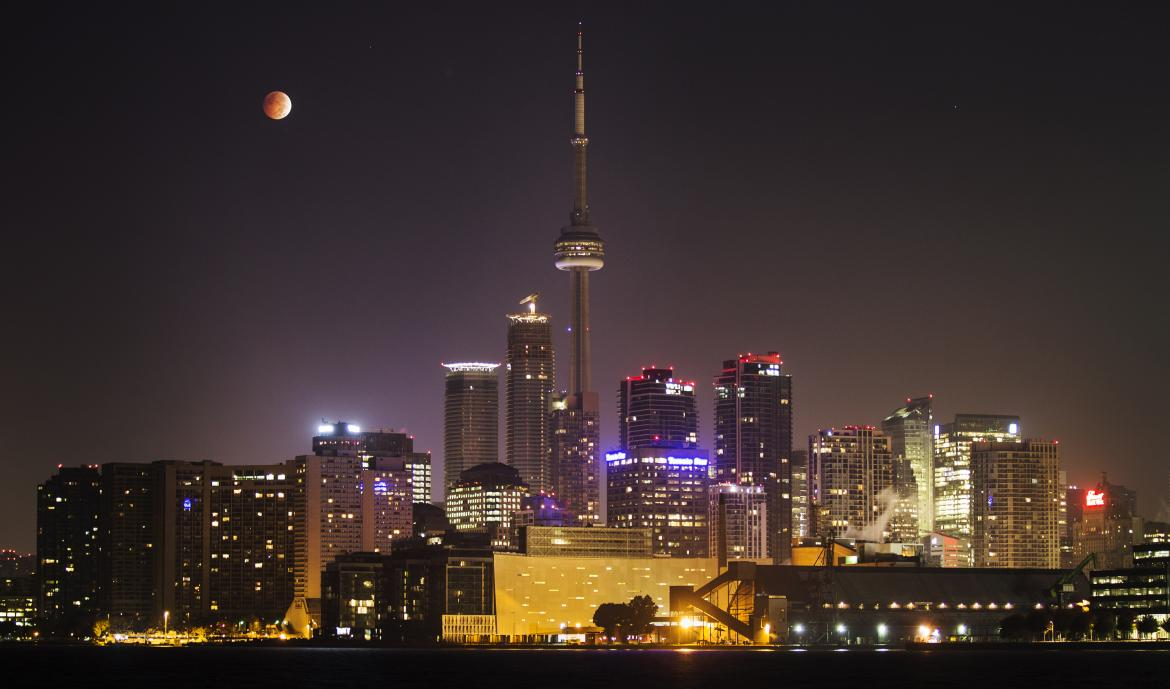 total-lunar-eclipseToronto