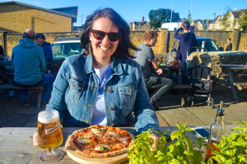 Trying out the Cotswold Pizza Co. Shack at Red Lion Pub, Chipping Norton.