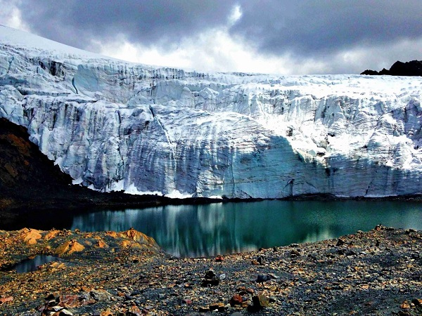 10 Absolutely Beautiful Glaciers You Have To See To Believe