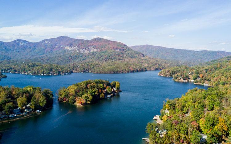 7 Affordable Lake Vacations Everyone Should Take