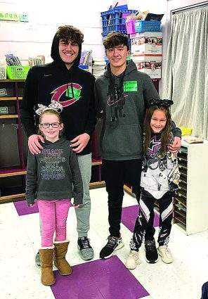 Crestwood High School basketball players read to students at CPS