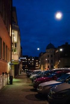 Dark when I go hom on Sparregatan in Borås on Thursday night.
