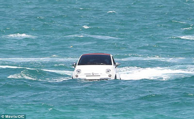 swimming_carsE