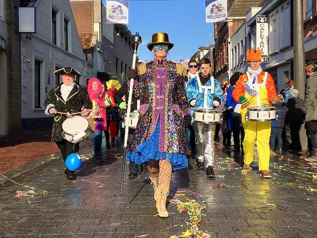carnaval-weert-harmonie-stjoseph-optocht
