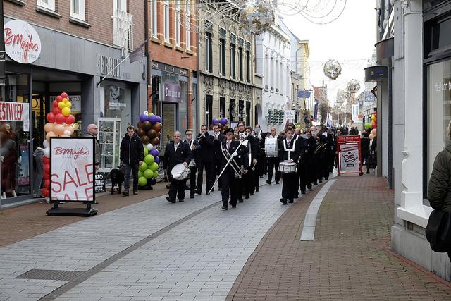 Kerkelijke Harmonie op straat