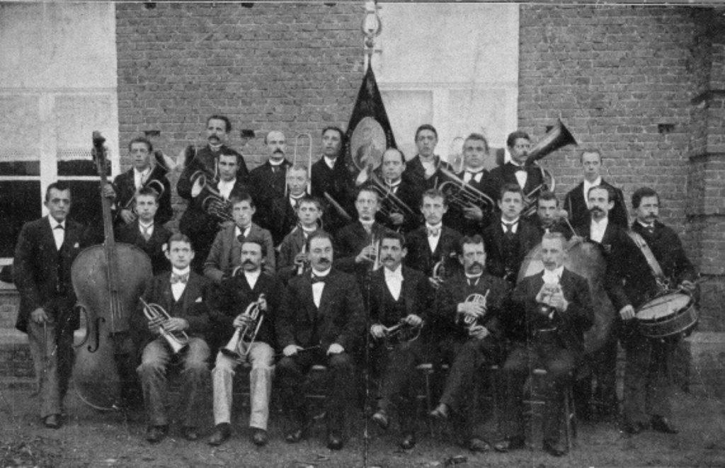 Foto van harmonie uit 1879