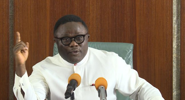 BREAKING!! Driver Carrying Passengers Without Nose Masks To Pay N300,000 — Ayade Tells Security Operatives