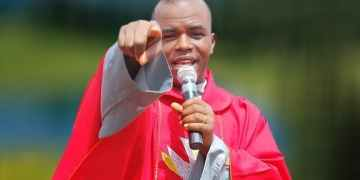 HOT!! Apologise To Nigerians Now, God Says You Are A Wicked Leader — Mbaka Tells Buhari