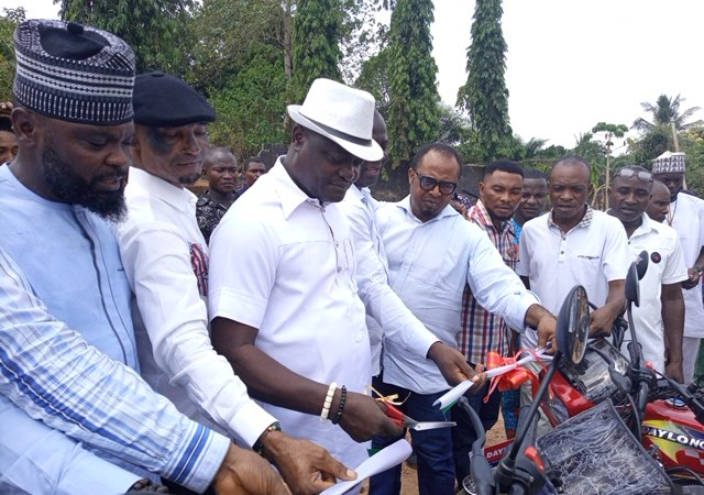 Valentine Celebration: Rt. Hon. (Dr) Friday Okpechi Empower Constituents With Motorcycles, Cash Disbursement