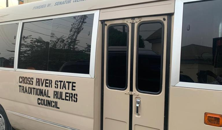 Senator Gershom Bassey Presents Cross River State Traditional Rulers Council With A 32-Seater Coaster Bus