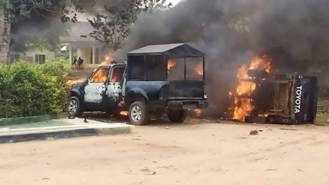 BREAKING!! Gunmen On Rampage In Owerri-Port Harcourt Expressway, Killed Three Customs Officers, Three Air Force Officers, Two Policemen