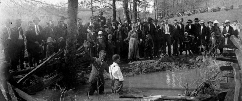 Baptisten: Taufe durch Untertauchen