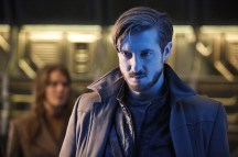 "DC's Legends of Tomorrow -- ""Marooned"" -- Image LGN107B_0017b.jpg -- Pictured: Arthur Darvill as Rip Hunter -- Photo: Bettina Strauss/The CW -- © 2016 The CW Network, LLC. All Rights Reserved."