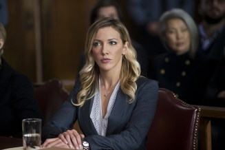 """Arrow -- """"Broken Hearts"""" -- Image AR416b_0055b.jpg -- Pictured: Katie Cassidy as Laurel Lance -- Photo: Diyah Pera /The CW -- © 2016 The CW Network, LLC. All Rights Reserved."""