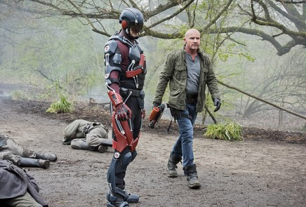 "DC's Legends of Tomorrow --""Legendary""-- Image LGN116a_0092b.jpg -- Pictured (L-R): Brandon Routh as Ray Palmer/Atom and Dominic Purcell as Mick Rory/Heat Wave -- Photo: Dean Buscher/The CW -- © 2016 The CW Network, LLC. All Rights Reserved."