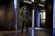 "Arrow -- ""The Recruits"" -- Image AR502a_0072b.jpg -- Pictured: Stephen Amell as Green Arrow -- Photo: Bettina Strauss/The CW -- © 2016 The CW Network, LLC. All Rights Reserved."