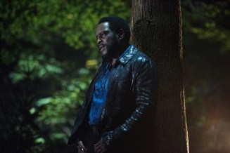 """Arrow -- """"Human Target"""" -- Image AR505a_0326.jpg -- Pictured: Chad Coleman as Tobias Church -- Photo: Dean Buscher/The CW -- © 2016 The CW Network, LLC. All Rights Reserved."""