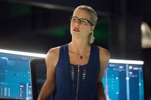 """Arrow -- """"Human Target"""" -- Image AR505a_0145.jpg -- Pictured: Emily Bett Rickards as Felicity Smoak -- Photo: Dean Buscher/The CW -- © 2016 The CW Network, LLC. All Rights Reserved."""