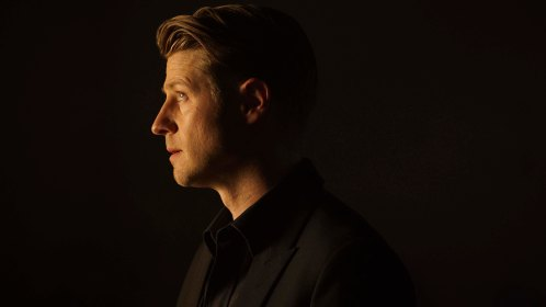 "GOTHAM: Ben McKenzie in the ""Mad City: Follow the White Rabbit"" episode of GOTHAM airing Monday, Oct. 24 (8:00-9:01 PM ET/PT) on FOX. ©2016 Fox Broadcasting Co. Cr: Nicole Rivelli/FOX."