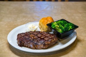 Charlies-Steak-Ribs-Ale-Specials-3