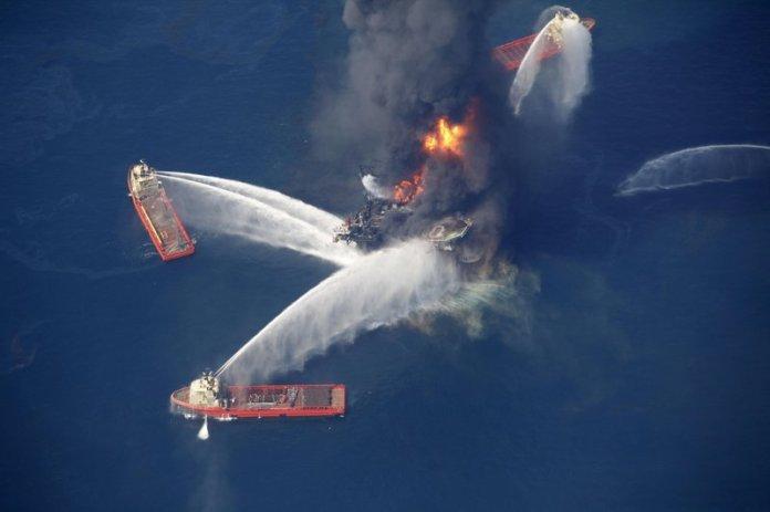 https://i2.wp.com/wehco.media.clients.ellingtoncms.com/img/photos/2010/04/22/Louisiana_Oil_Rig_Explosion__t800.JPG?w=696&ssl=1