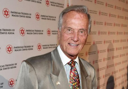 Pat Boone Joins 'The Return: National and Global Day of Prayer and Repentance,' Says God Wants Church's Attention