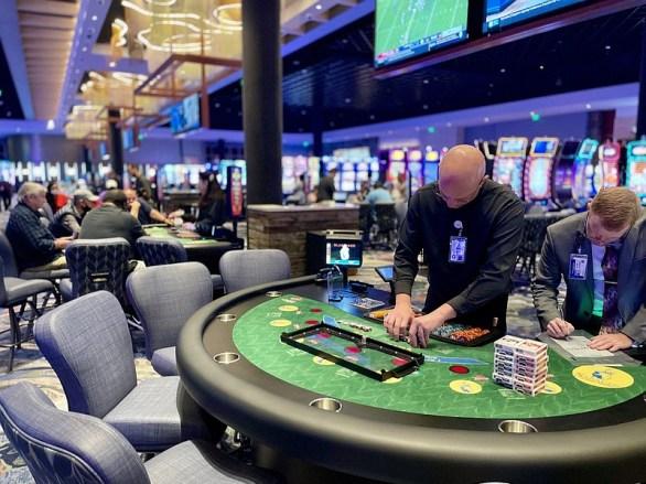 March casino revenue tops record