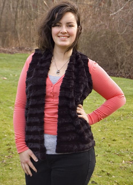Diy Fur Vest 7 Best of wht 2012: DIY    Snuggle up in this Faux Fur Vest