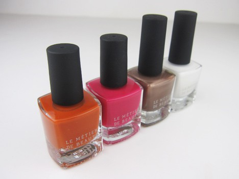 LMdBnails1B Le Métier de Beaute Nail Lacquer Review   including the summer 2012 shade Penny Lane