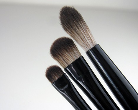 TooFacedShadowbrushesE Too Faced Shadow Brushes Essential 3 Piece Set Review