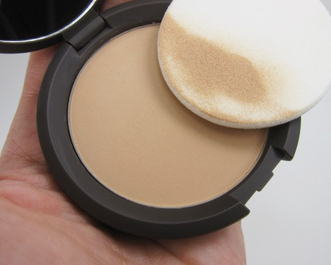 BeccaMineral6 BECCA Perfect Skin Mineral Powder Foundation Review