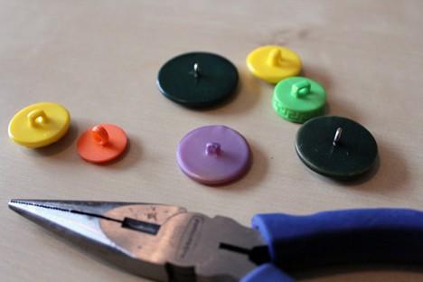 DIY Button 4 DIY: Cute as a Button Magnets
