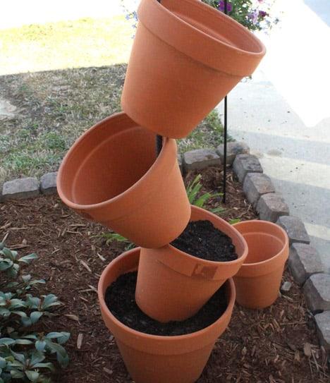 9564 DIY Garden Project: Topsy Turvy Flower Planter