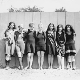 1920s swimsuits