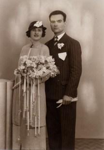 1930s_wedding_dress.JPG