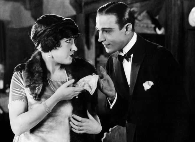 Gloria Swanson & Rudolph Valentino in Beyond the Rocks