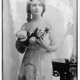 Stella Carol, 1915