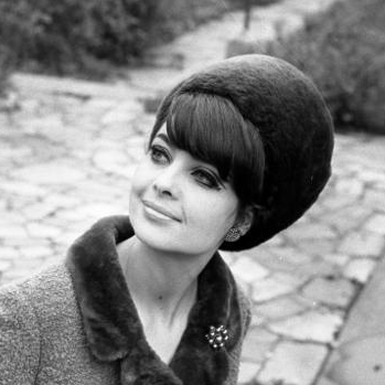 Mods and Mad Men: 1960s Makeup Tips