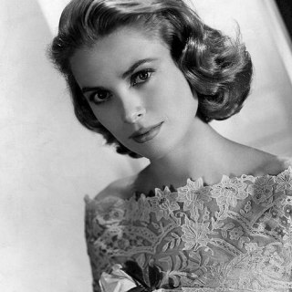 Vintage Style Icons: The Ice-Cold Blonde
