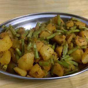 Aloo bharbatti sabzi quick and tasty recipe in pressure cooker/ बरबटी की सब्जी फटाफट बनाये