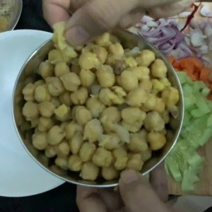 Quick and tasty chana salad for weight loss