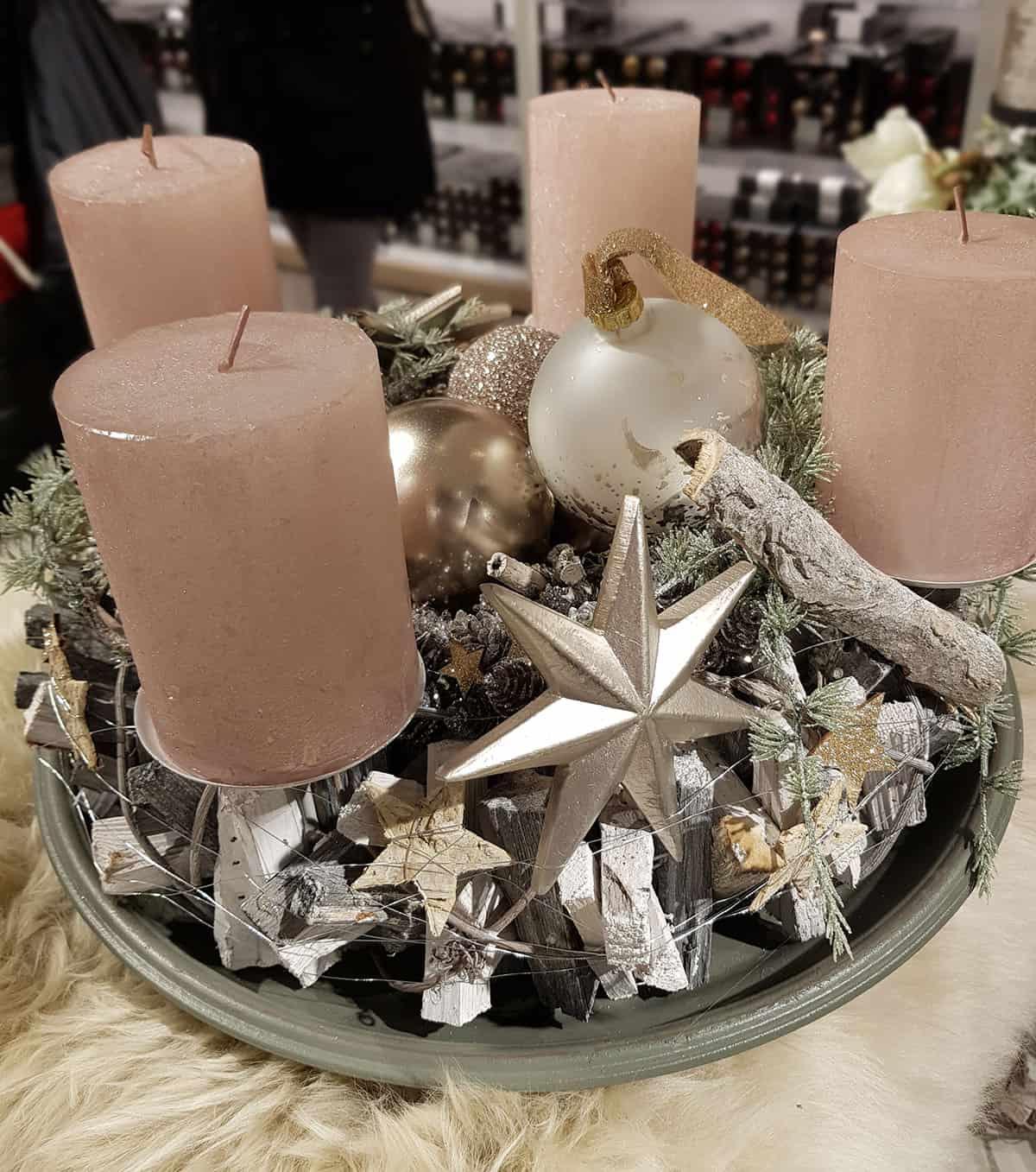 ⇒ Adventskranz Holz - für eine harmonische Weihnachtsatmosphäre!