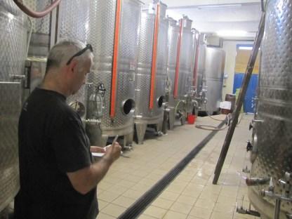 Im Keller der Winery Gavalas