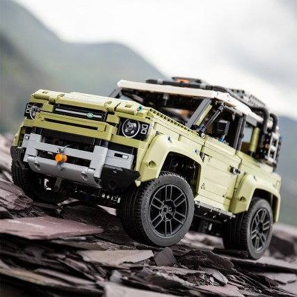 Land Rover Defender Lego (1)
