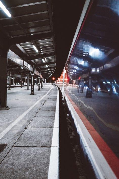 späte Zugverbindung ©Luke Ellis Craven