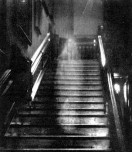 Brown Lady of Raynham Hall - probably a residual haunting