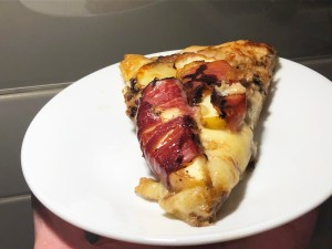 Prosciutto apple brie pizza recipe