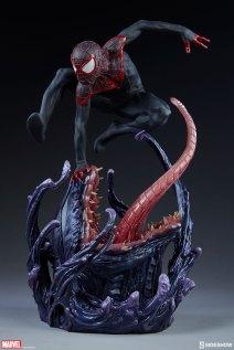 marvel-spider-man-miles-morales-premium-format-figure-sideshow-300554-06
